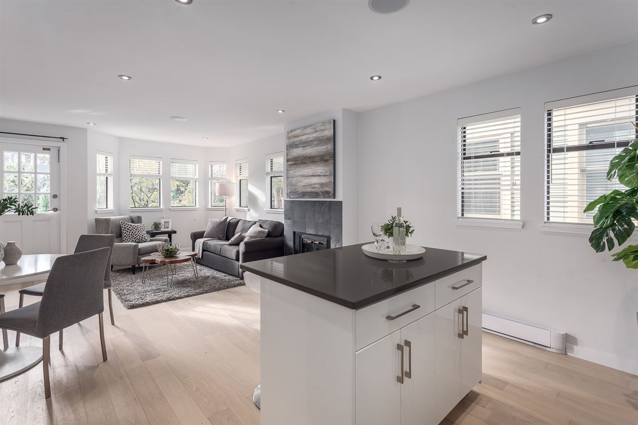 Main Photo: 2 1945 W 15TH Avenue in Vancouver: Kitsilano Townhouse for sale (Vancouver West)  : MLS(r) # R2133120