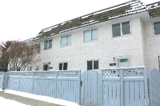Main Photo: 11357 22 Avenue in Edmonton: Zone 16 Townhouse for sale : MLS(r) # E4050727