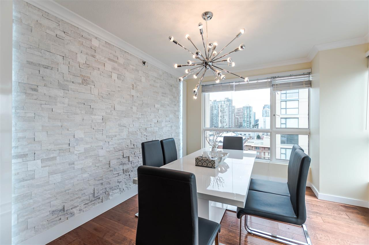 Photo 3: 1306 283 DAVIE Street in Vancouver: Yaletown Condo for sale (Vancouver West)  : MLS® # R2142079