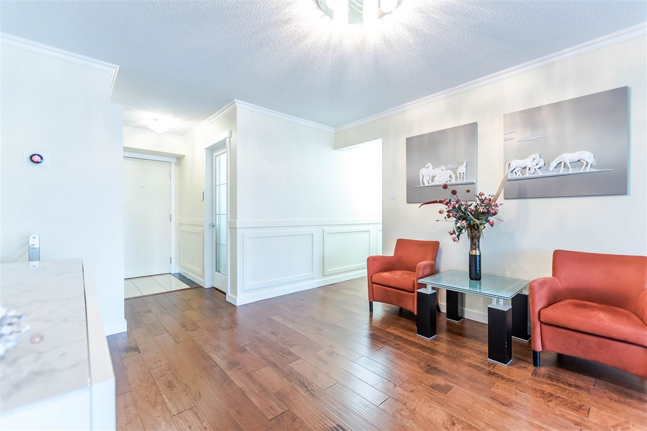 Photo 2: 1306 283 DAVIE Street in Vancouver: Yaletown Condo for sale (Vancouver West)  : MLS® # R2142079