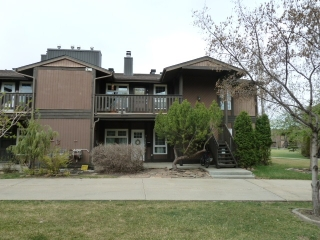 Main Photo: 5788 172 Street in Edmonton: Zone 20 Carriage for sale : MLS(r) # E4058583