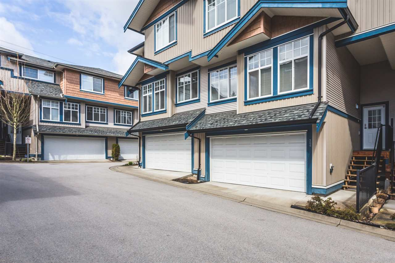 "Main Photo: 22 14462 61A Avenue in Surrey: Sullivan Station Townhouse for sale in ""RAVINA"" : MLS®# R2158057"