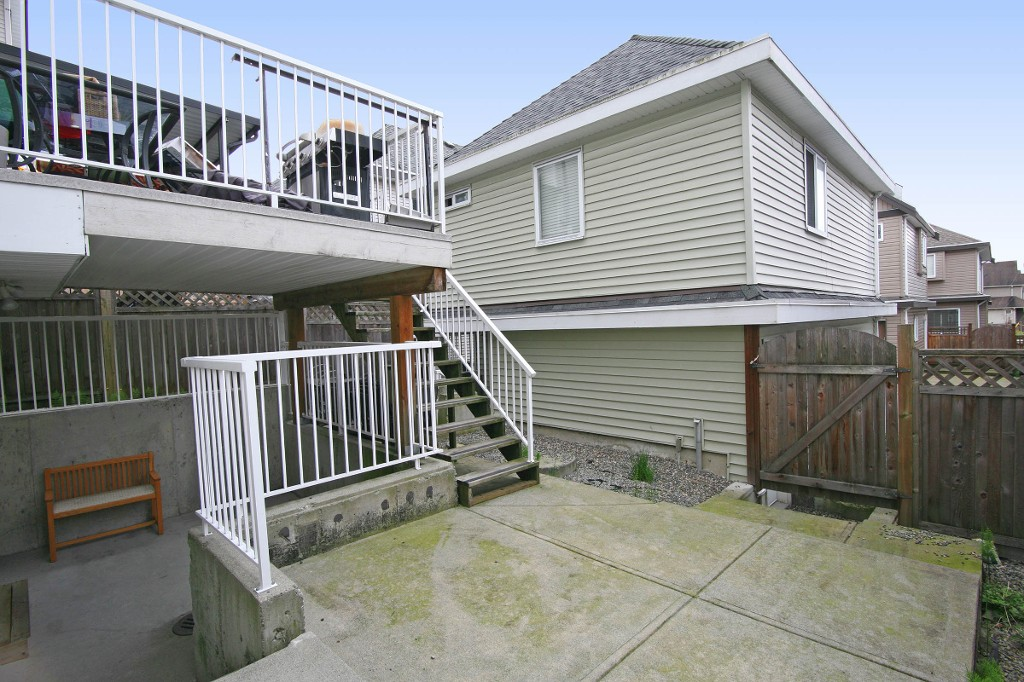 "Photo 19: 6812 195A Street in Surrey: Clayton House for sale in ""CLAYTON HEIGHTS"" (Cloverdale)  : MLS® # R2159629"