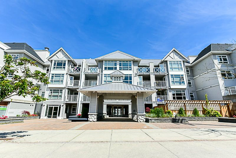 "Main Photo: 308 3122 ST JOHNS Street in Port Moody: Port Moody Centre Condo for sale in ""Sonrisa"" : MLS® # R2168807"