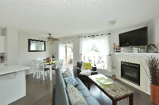 Main Photo: 9140 166 Avenue in Edmonton: Zone 28 House Half Duplex for sale : MLS(r) # E4073080