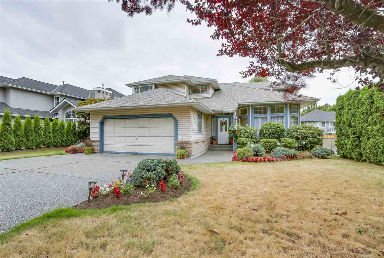 Main Photo: 9305 204 Street in Langley: Walnut Grove House for sale : MLS® # R2199334