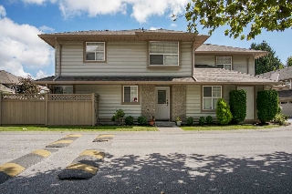 "Main Photo: 9 12165 75 Avenue in Surrey: West Newton Townhouse for sale in ""Strawberry Hill Estate"" : MLS® # R2201297"