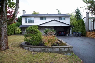 Main Photo: 6232 171A Street in Surrey: Cloverdale BC House for sale (Cloverdale)  : MLS® # R2207440