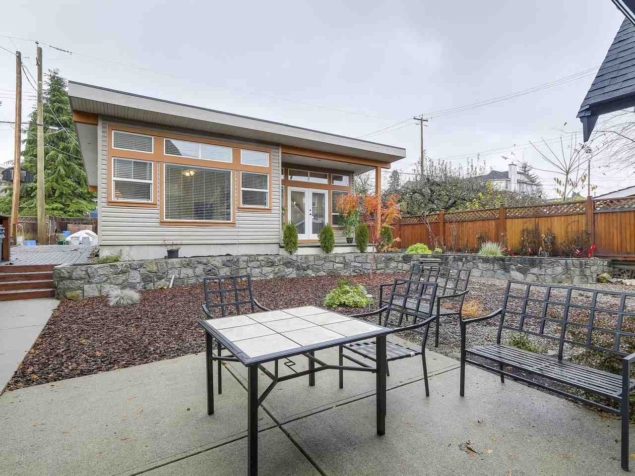 Photo 13: Photos: 658 E 4TH STREET in North Vancouver: Queensbury House for sale : MLS® # R2222993
