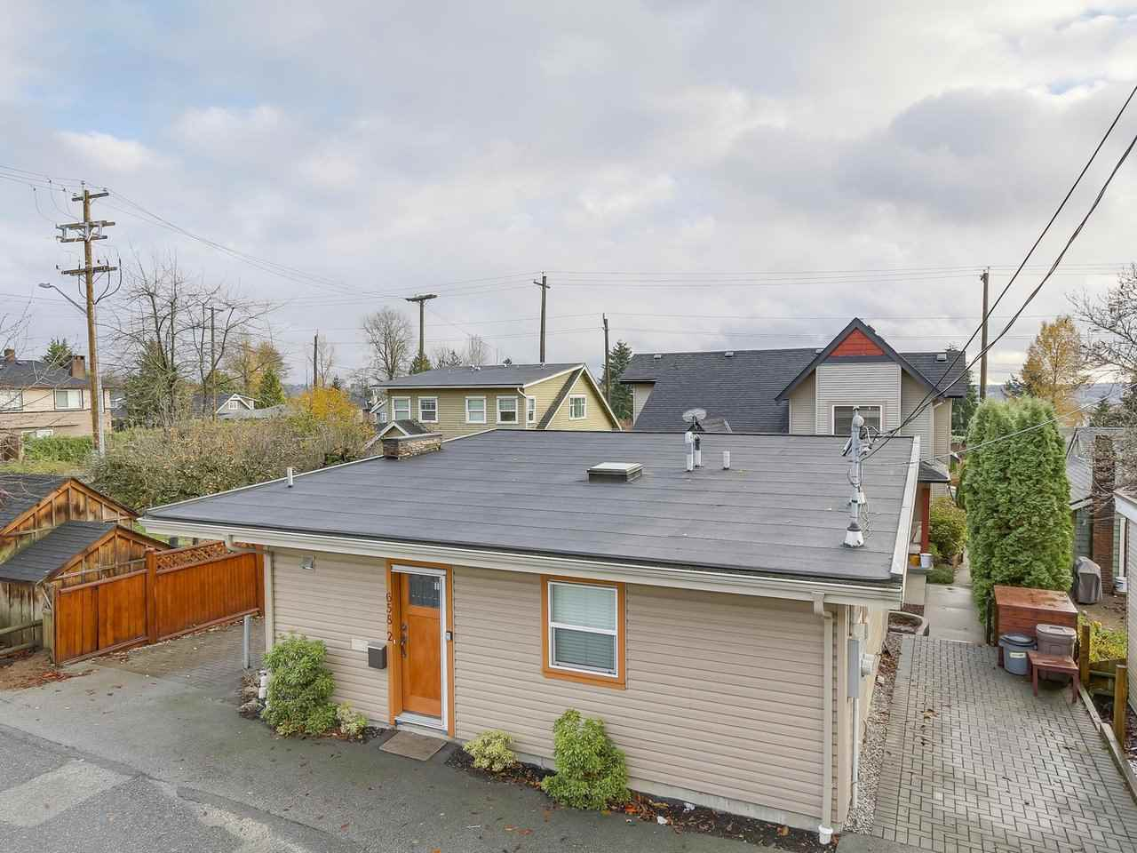 Photo 19: Photos: 658 E 4TH STREET in North Vancouver: Queensbury House for sale : MLS® # R2222993