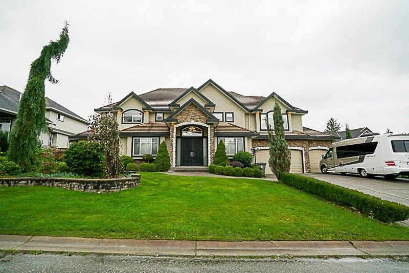 Main Photo: 17119 GREENWAY Drive in Surrey: Fleetwood Tynehead House for sale : MLS® # R2230039