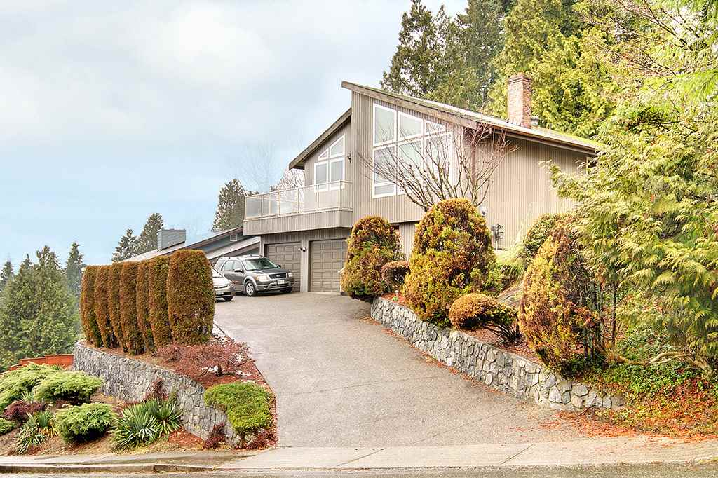 Main Photo: 1320 CHARTER HILL Drive in Coquitlam: Upper Eagle Ridge House for sale : MLS®# R2230396
