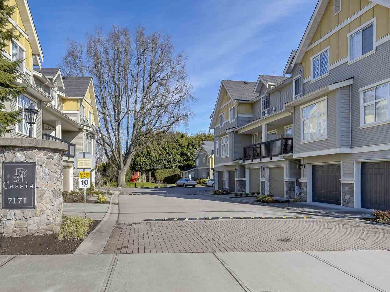 "Main Photo: 8 7171 STEVESTON Highway in Richmond: Broadmoor Townhouse for sale in ""CASSIS"" : MLS®# R2246990"
