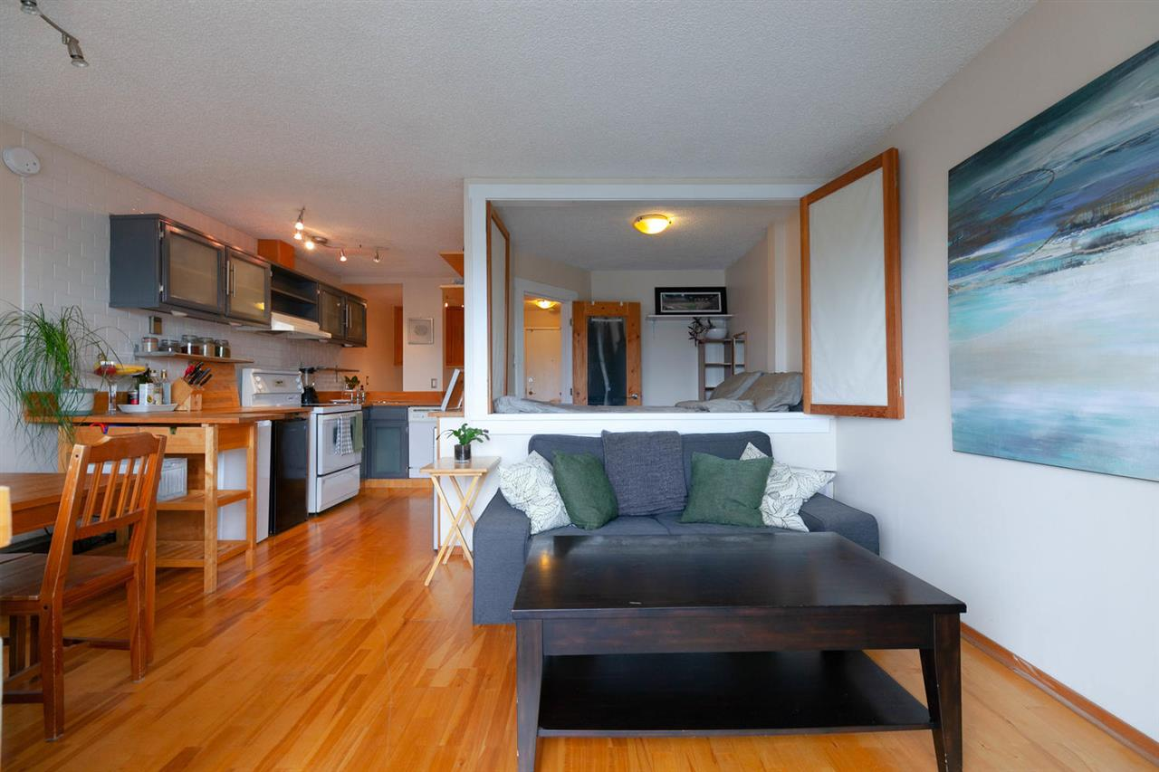 "Main Photo: 306 345 W 10TH Avenue in Vancouver: Mount Pleasant VW Condo for sale in ""VILLA MARQUIS"" (Vancouver West)  : MLS®# R2306951"