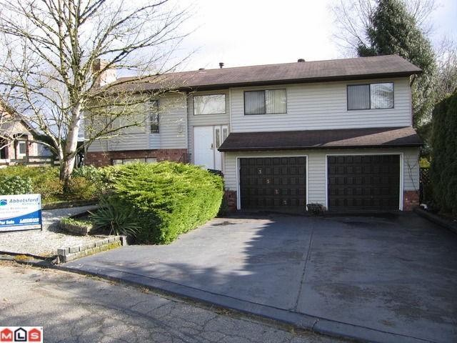 "Main Photo: 3522 MIERAU Court in Abbotsford: Abbotsford East House for sale in ""Dr. Thomas Swift"" : MLS®# F1105641"