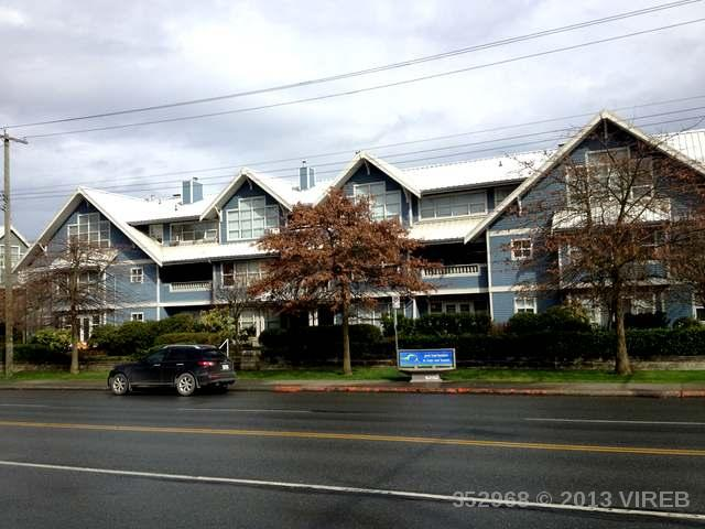 Main Photo: 402 500 STEWART Avenue in NANAIMO: Z4 Brechin Hill Condo/Strata for sale (Zone 4 - Nanaimo)  : MLS® # 352968