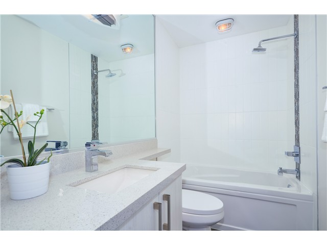 "Photo 5: 205 3715 COMMERCIAL Street in Vancouver: Victoria VE Townhouse for sale in ""O2"" (Vancouver East)  : MLS(r) # V1032574"