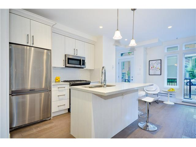 "Photo 2: 205 3715 COMMERCIAL Street in Vancouver: Victoria VE Townhouse for sale in ""O2"" (Vancouver East)  : MLS(r) # V1032574"