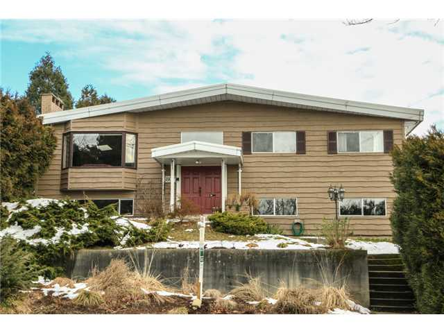 "Main Photo: 807 CUMBERLAND Street in New Westminster: The Heights NW House for sale in ""VICTORY HEIGHTS"" : MLS® # V1033849"