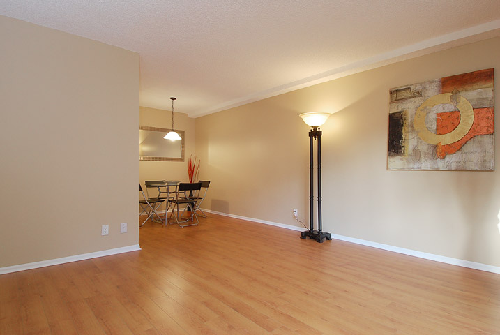 "Photo 12: 107 8870 CITATION Drive in Richmond: Brighouse Condo for sale in ""CARTWELL MEWS"" : MLS® # V1036917"