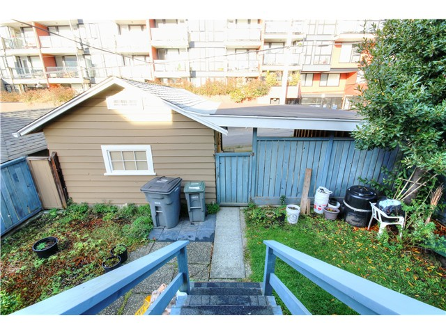 Photo 18: 2637 E PENDER Street in Vancouver: Renfrew VE House for sale (Vancouver East)  : MLS(r) # V1037356