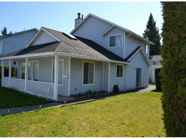 "Main Photo: 15862 96TH Avenue in Surrey: Fleetwood Tynehead House for sale in ""FLEETWOOD TYNEHEAD"" : MLS®# F1408322"