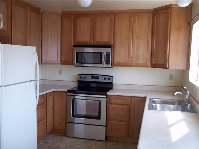 Photo 4: IMPERIAL BEACH Condo for sale or rent : 2 bedrooms : 930 Ebony Avenue #B