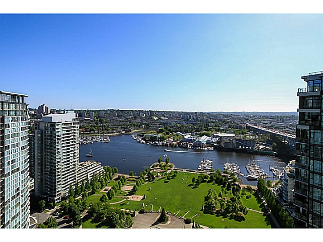 "Main Photo: 3302 1495 RICHARDS Street in Vancouver: Yaletown Condo for sale in ""AZURA 2"" (Vancouver West)  : MLS®# V1068852"