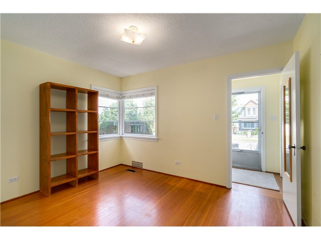"Photo 9: 2714 E 3RD Avenue in Vancouver: Renfrew VE House for sale in ""RENFREW"" (Vancouver East)  : MLS® # V1127562"
