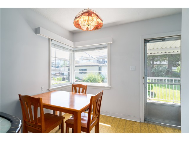 "Photo 6: 2714 E 3RD Avenue in Vancouver: Renfrew VE House for sale in ""RENFREW"" (Vancouver East)  : MLS® # V1127562"