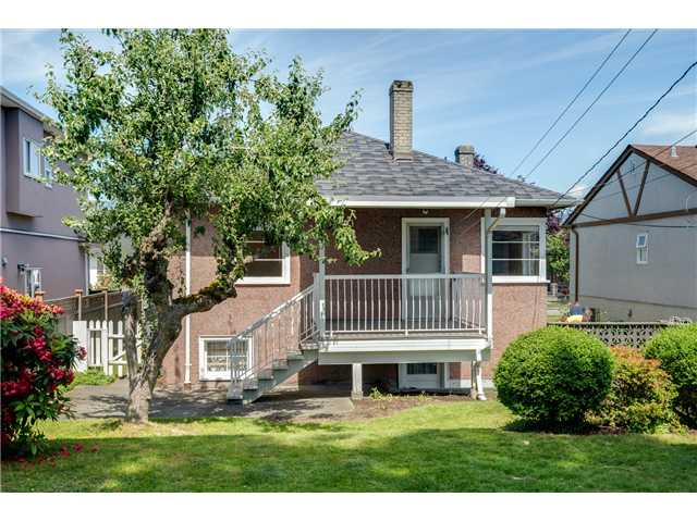 "Photo 15: 2714 E 3RD Avenue in Vancouver: Renfrew VE House for sale in ""RENFREW"" (Vancouver East)  : MLS® # V1127562"