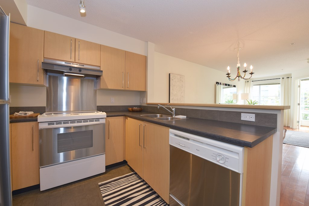 "Photo 4: 208 2768 CRANBERRY Drive in Vancouver: Kitsilano Condo for sale in ""ZYDECO"" (Vancouver West)  : MLS(r) # R2000428"