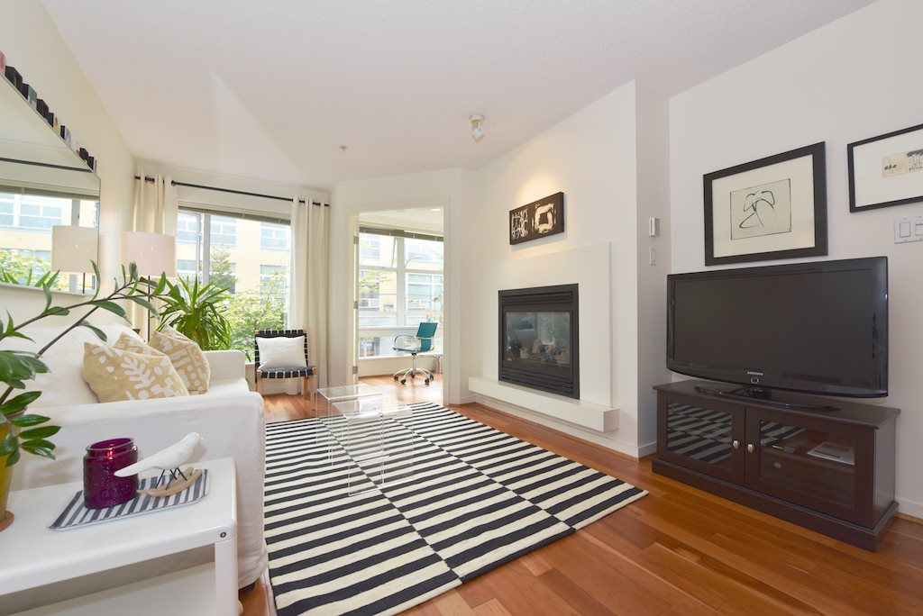 "Main Photo: 208 2768 CRANBERRY Drive in Vancouver: Kitsilano Condo for sale in ""ZYDECO"" (Vancouver West)  : MLS(r) # R2000428"