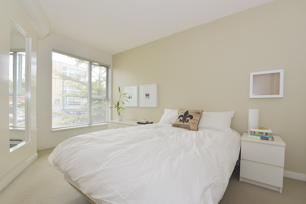 "Photo 5: 208 2768 CRANBERRY Drive in Vancouver: Kitsilano Condo for sale in ""ZYDECO"" (Vancouver West)  : MLS(r) # R2000428"