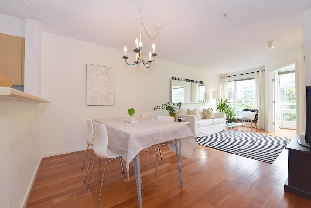 "Photo 3: 208 2768 CRANBERRY Drive in Vancouver: Kitsilano Condo for sale in ""ZYDECO"" (Vancouver West)  : MLS(r) # R2000428"
