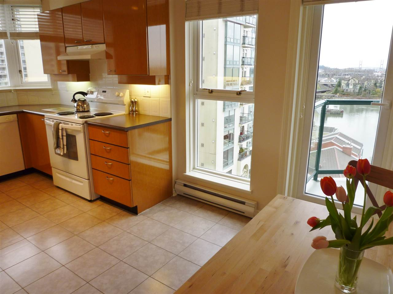 "Photo 3: 1001 10 LAGUNA Court in New Westminster: Quay Condo for sale in ""LAGUNA LANDING"" : MLS(r) # R2037865"