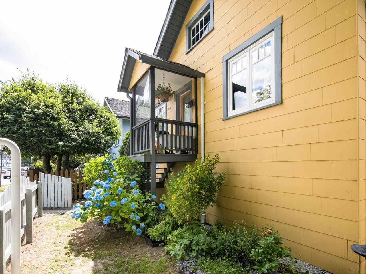 Photo 15: 2425 TRUTCH Street in Vancouver: Kitsilano House for sale (Vancouver West)  : MLS(r) # R2079999