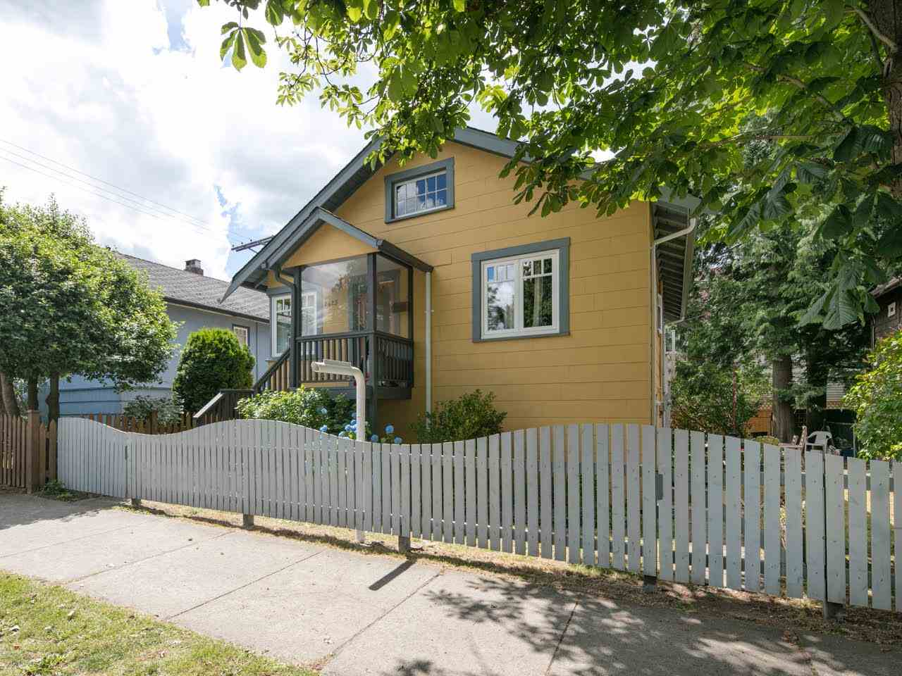 Photo 14: 2425 TRUTCH Street in Vancouver: Kitsilano House for sale (Vancouver West)  : MLS(r) # R2079999