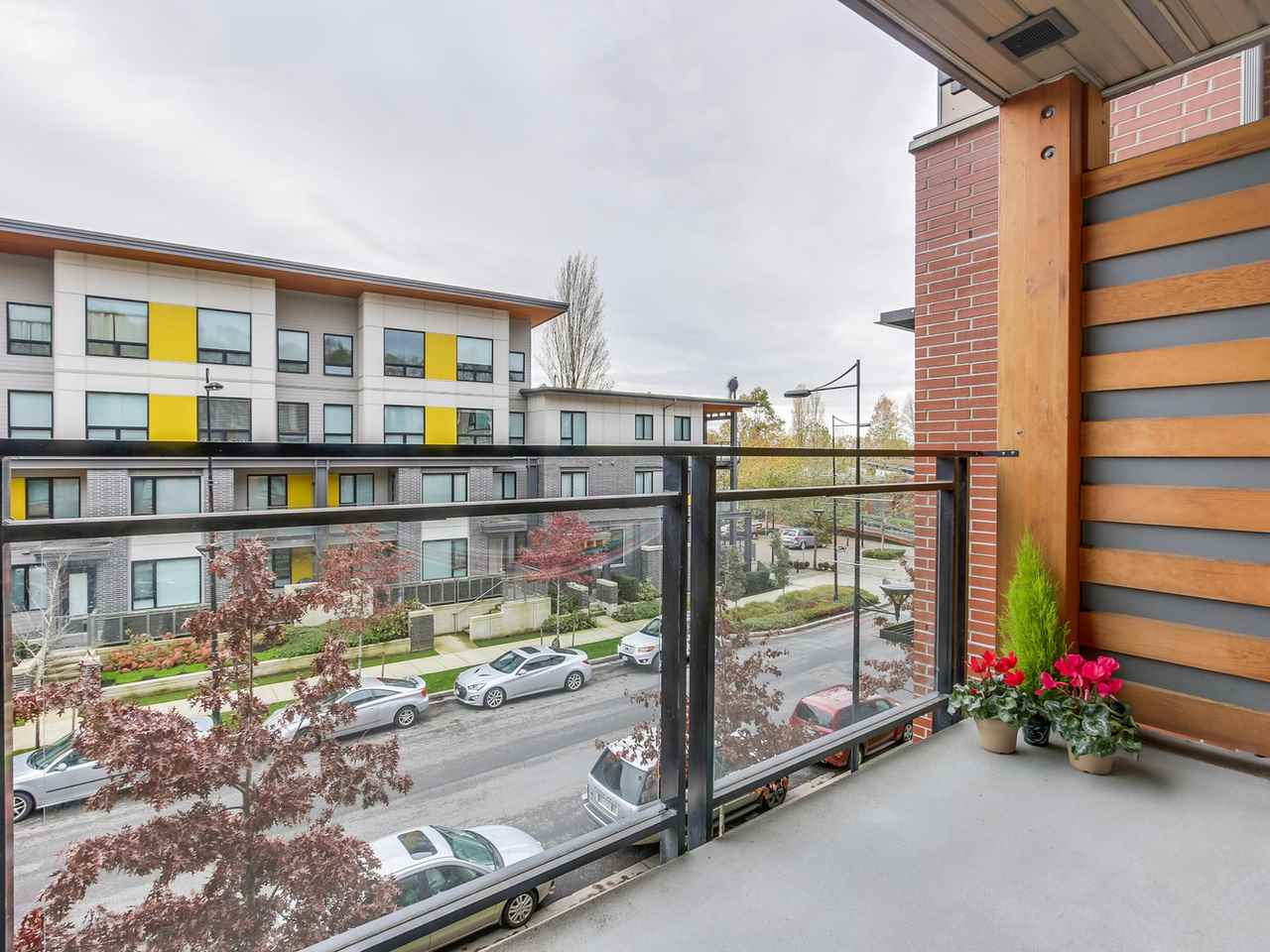 Photo 4: 313 3133 RIVERWALK Avenue in Vancouver: Champlain Heights Condo for sale (Vancouver East)  : MLS(r) # R2121189