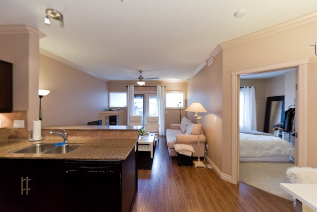 Photo 3: 134 10121 80 Avenue in Edmonton: Zone 17 Condo for sale : MLS(r) # E4043902
