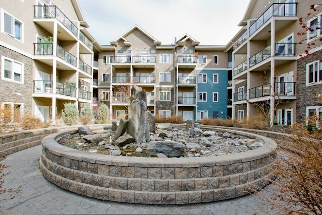 Photo 2: 134 10121 80 Avenue in Edmonton: Zone 17 Condo for sale : MLS(r) # E4043902
