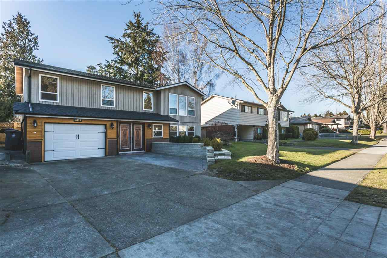 Main Photo: 6123 172 Street in Surrey: Cloverdale BC House for sale (Cloverdale)  : MLS®# R2137014