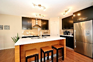 Main Photo: 1305 114B Street in Edmonton: Zone 55 Attached Home for sale : MLS(r) # E4049978
