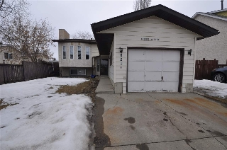 Main Photo: 3216 44A Street NW in Edmonton: Zone 29 House for sale : MLS(r) # E4056552