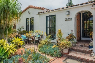Main Photo: MISSION HILLS House for sale : 3 bedrooms : 3622 Dove Ct in San Diego