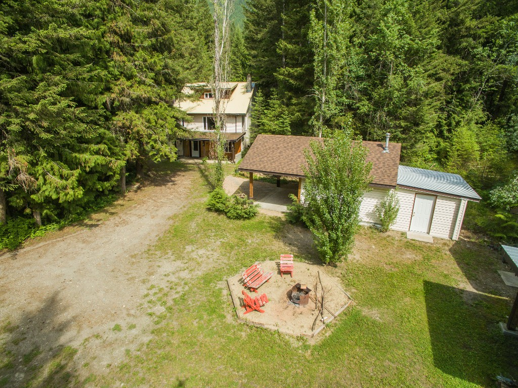 Main Photo: 3977 Myers Frontage Road: Tappen House for sale (Shuswap)  : MLS(r) # 10134417