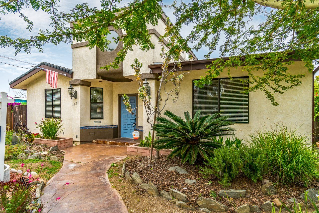 Main Photo: UNIVERSITY HEIGHTS House for sale : 5 bedrooms : 4625 Massachusetts St in San Diego
