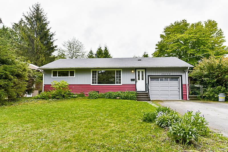 Main Photo: 20754 48 Avenue in Langley: Langley City House for sale : MLS®# R2167696