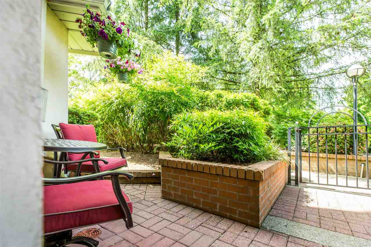 Photo 3: 104W 3061 GLEN Drive in Coquitlam: North Coquitlam Townhouse for sale : MLS® # R2174767