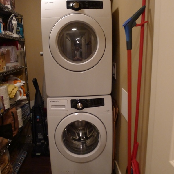 Stacker washer/dryer!!